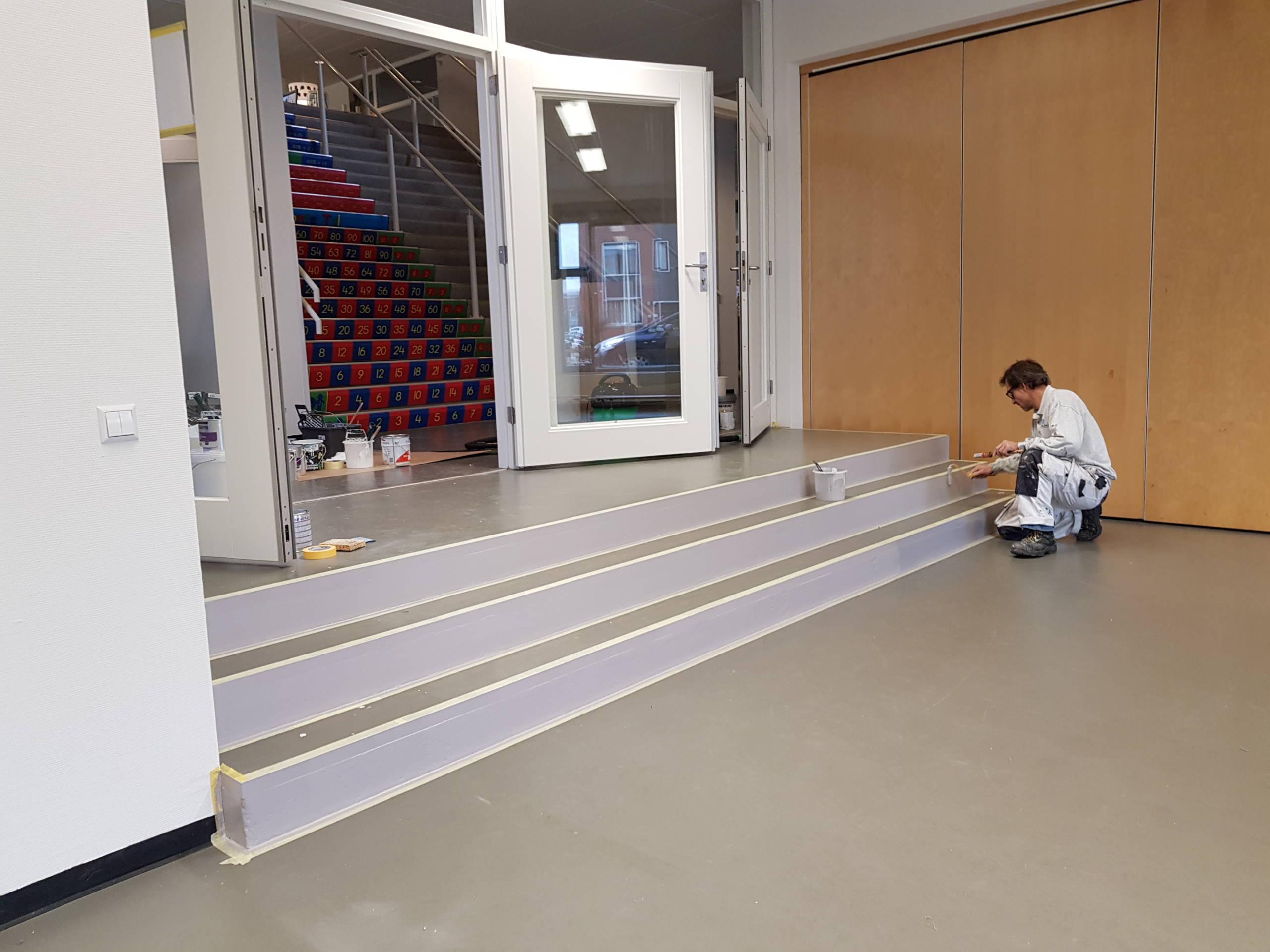 School schilderwerk trap werknemer Weening